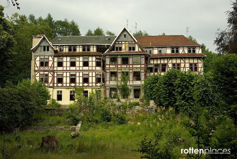 Verlassenes Hotel Bad Blankenburg