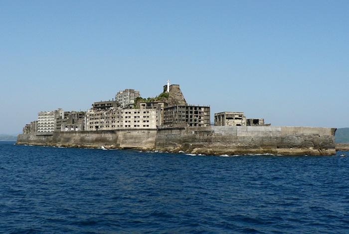Die verlassene japanische Insel Hashima (auch: Gunkanjima). Foto: Wikimedia Commons/Hisagi/CC BY-SA 3.0