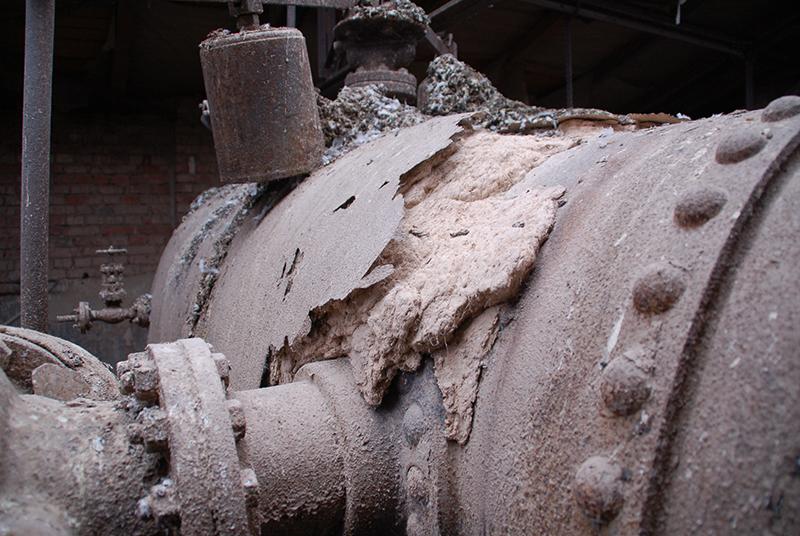 Das Kesselhaus vor dem Verfall, asbestverseucht und voller Taubenkot. Foto: Faust-Stiftung