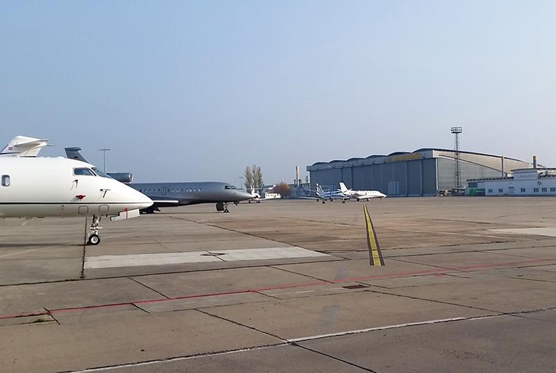 Der imposante Spannbeton-Hangar zeugt vom Aufbruch der DDR-Luftfahrt. Foto: rbb/Thomas Balzer